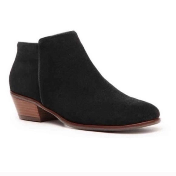Crown vintage tabitha black suede leather boots